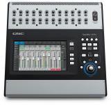 Mezclador digital de 32 canales con interfaz de pantalla táctil, 24 entradas de micrófono, 6 entradas de línea, entrada USB estéreo, efectos incorporados y control remoto a través de Wi-Fi