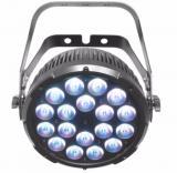Par-Quad con 18 LEDs de cuatro colores RGBA, LEDs ámbar generan variación de blancos, conectores Neutrik® powerCON de entrada y salida, conectores DMX de 3 y 5 pines