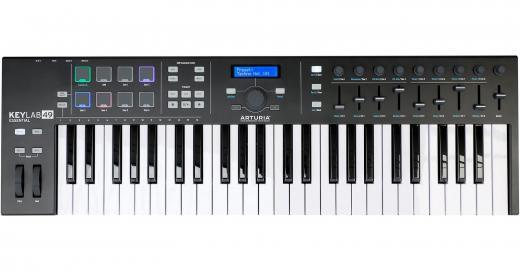 49 notas con controles prácticos extensos, 8 pads de rendimiento, conectividad MIDI / USB, software Analog Lab Virtual Instrument