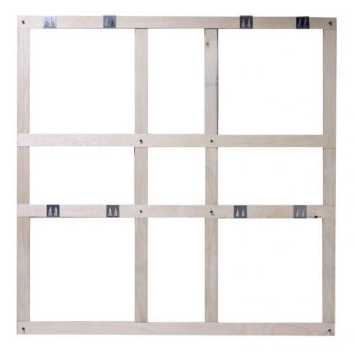 Marco de fijación ligero desarrollado para colgar 4 paneles acústicos en la pared