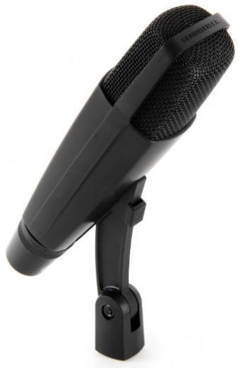 Micrófono cardioide dinámico con alta capacidad SPL e interruptor de reducción de graves de 5 posiciones, patrón cardioide ofrece un rechazo de retroalimentación excepcional