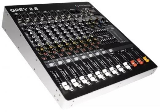 Cuenta con 8 entradas mic/línea con conexiones balanceadas XLR/TRS, 1 entrada estéreo, ecualizador de 4 bandas y reproductor mp3 con puerto USB, 16 tipos de delays, phantom para todas las entradas y ecualización general estéreo de 7 bandas