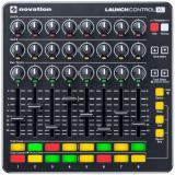 Superficie de control compatible con MIDI / HUI compatible con su clase con 24 botones, faders de 8 x 60 mm, 16 botones programables, diseño de control en vivo de Ableton y software incluido (Mac / Windows / iOS)