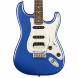 Guitarra eléctrica de cuerpo sólido de álamo, mástil de arce, diapasón de laurel, 2 capsulas single y 1 capsula Humbucker, y puente de 2 puntos, color ocean blue Metalic