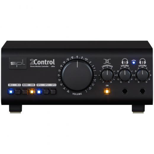 Controlador de monitor de dos canales con circuitos activos; 2 x amplificadores de auriculares; Control de alimentación cruzada; Interruptores de fuente, altavoz, mono y atenuador; y E / S balanceadas y no balanceadas
