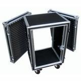 16 unidades de rack, fabricado en plywood 9 mm, cierres de pestillo con bloqueo, rieles delanteros y traseros, profundidad interior de 52 cms