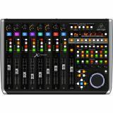 Controlador USB / MIDI con 9 faders de motor sensibles al tacto, 8 codificadores giratorios y 92 botones iluminados