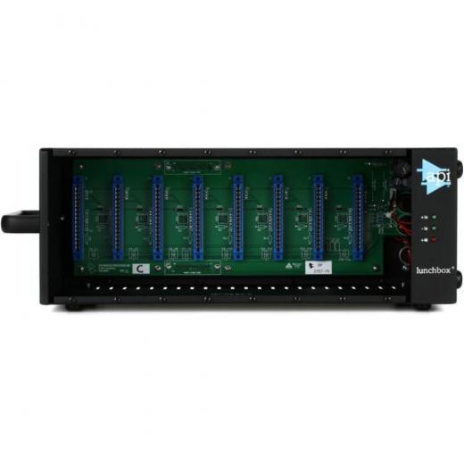 Chasis de 8 ranuras para módulos con conectividad DB-25, serie API 500 con fuente de alimentación incorporada