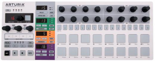 Secuenciador, Drum Sequencer y controlador MIDI con funciones de control MIDI, USB, CV / Gate y DIN Sync