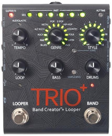 Pedal con partes automáticas de bajo y batería, 12 géneros, 12 estilos, tempo variable, controles de volumen individuales, loop de efectos.
