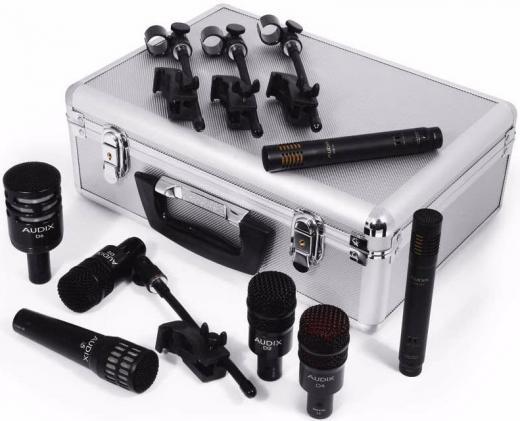 Kit de 7 micrófonos con 4 clamps D-Vice, clips y maleta. Incluye 1 D6 (bombo), 1 i5 (caja), 2 D2 (toms), 1 D4 (tom de piso) y 2 ADX51 (overs). Hecho en USA.
