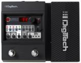 34 efectos, 12 modelos de amplificador, 9 modelos de gabinete, 100 presets, 100 slots de usuario, afinador, salida de fonos y 45 patrones de batería