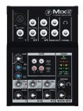 Mezclador de 5 entradas con 1 preamp de micrófono, 2 canales estéreo, E / S de cinta y volumen y nivel separado de auriculares