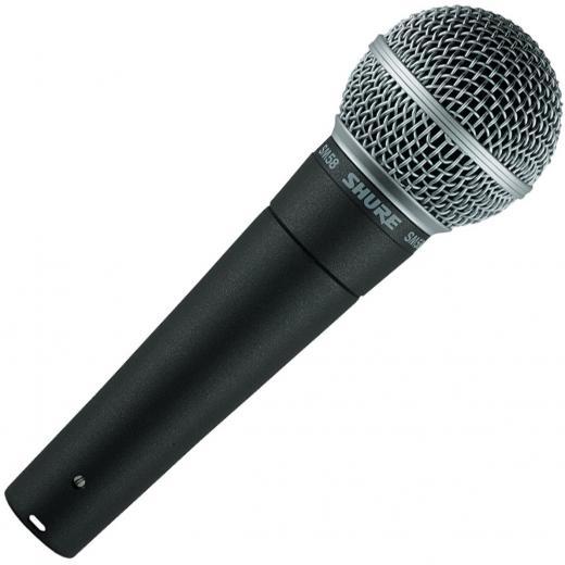Micrófono vocal dinámico con patrón de captación cardioide y respuesta de frecuencia de 50Hz-15kHz, incluye adaptador de soporte y estuche con cierre